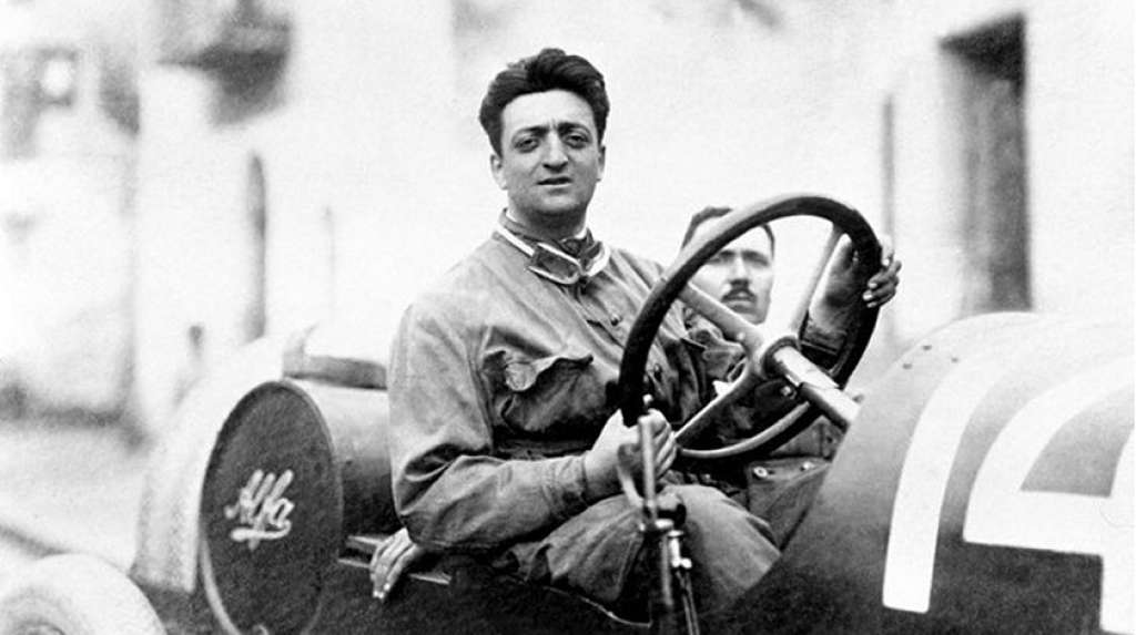 "Sejarah Enzo Ferrari – Pendiri Pabrikan Mobil Ternama Dunia ""Ferrari"""