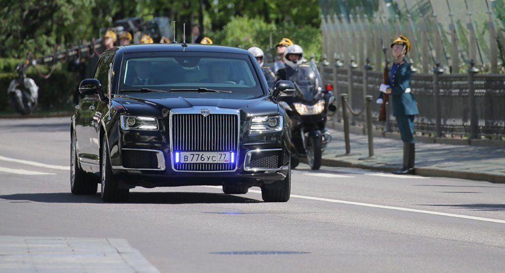 Fakta Mobil Limosin Aurus Yang Digunakan Vladimir Putin