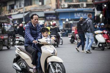 Bahaya Membonceng Anak Duduk di Depan