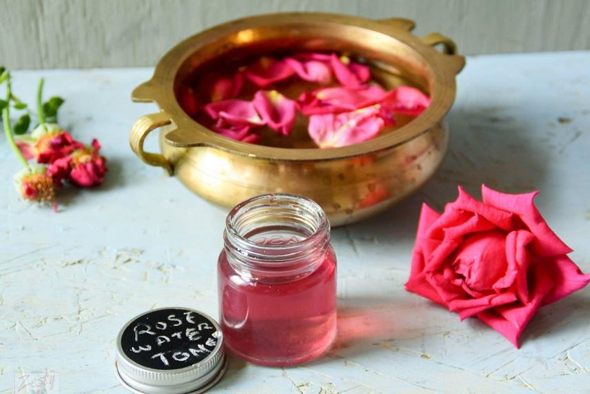 5 Khasiat Menggunakan Air Mawar Untuk Wajah