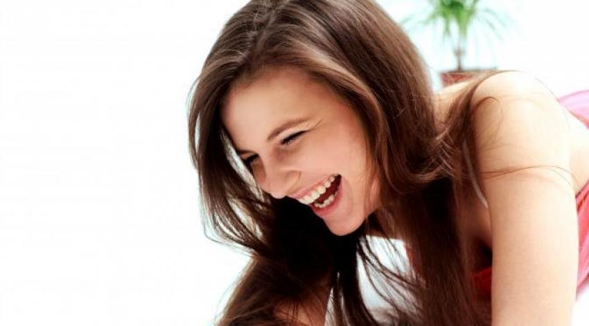Selain Lebih Bahagia, Ini Beberapa Manfaat Yang Bisa Kamu Dapat Saat Tertawa
