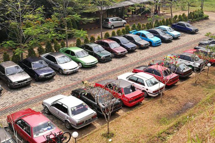 Family Gathering Komunitas Ford Laser Di Telaga Sidur, Bogor