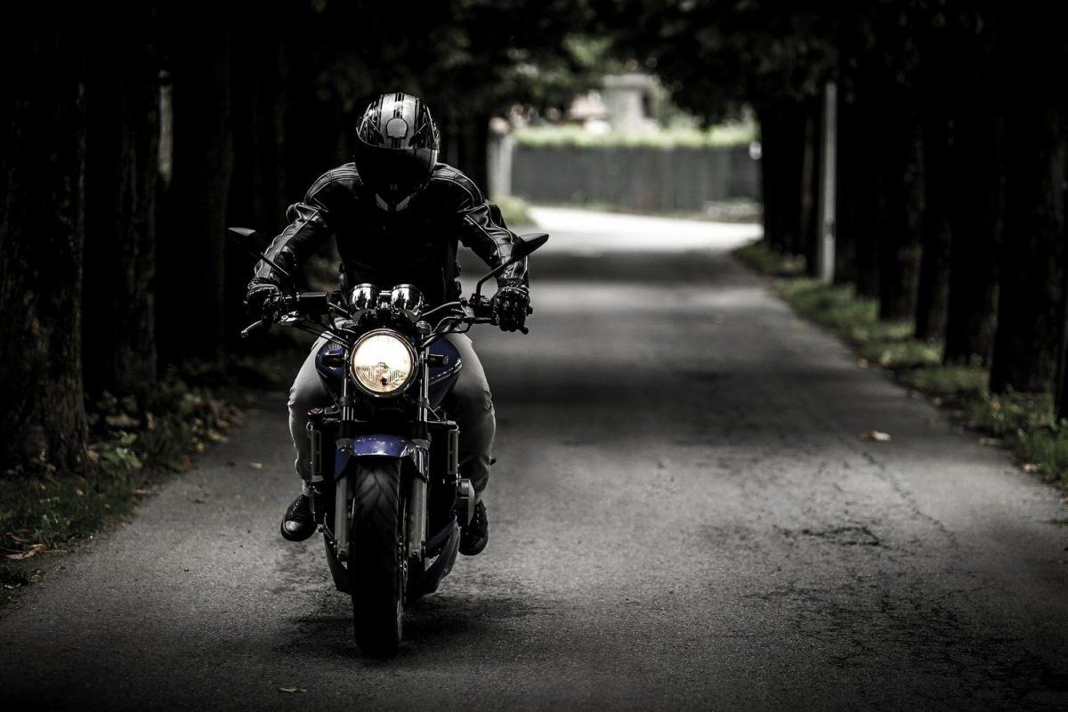 Tips Aman Berkendara Sepeda Motor
